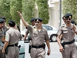 القبض على خمسة وافدين يتلاعبون بأسعار الإسمنت
