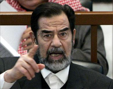 الزعيم صدام حسين أثناء محاكمته