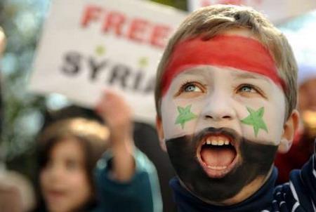 «الغارديان»:  السعودية تغض الطرف عن جمع الاموال لدعم المعارضة السورية
