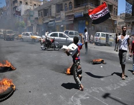 سوريا: مقتل 27 في بلدة بحماة ولجوء 700 سوري لتركيا خلال 24 ساعة