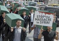 استمرار العنف يقلص امال الهدنة في سوريا ومقتل 53