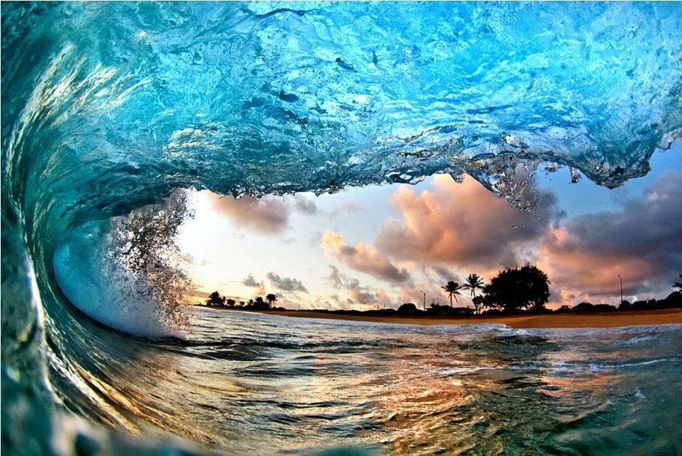 صور رائعة للأمواج من شواطئ هاواي 20120606_picture2-e1338964078457.jpg
