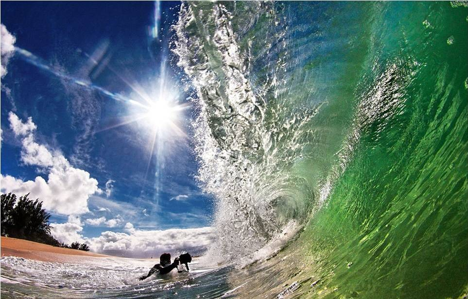 صور رائعة للأمواج من شواطئ هاواي 20120606_picture4-e1338964222281.jpg