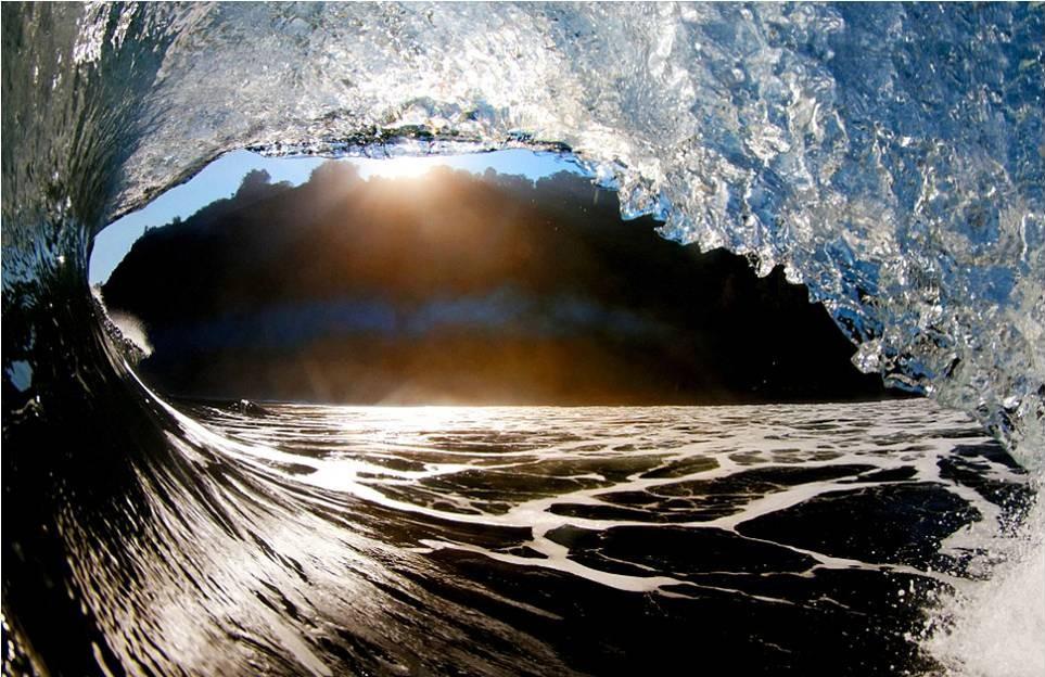 صور رائعة للأمواج من شواطئ هاواي 20120606_picture6-e1338964389702.jpg