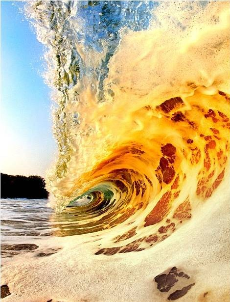 صور رائعة للأمواج من شواطئ هاواي 20120606_picture7-e1338964452937.jpg