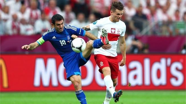 بولندا تفلت من الكمين اليوناني بتعادل صعب في افتتاح يورو 2012